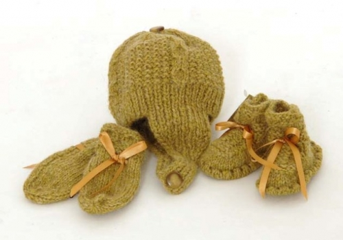 Handknit Alpaca Wool Booties Bonnet and Mitten Set