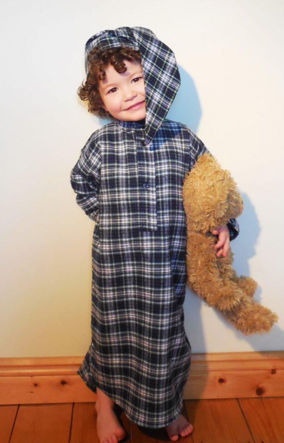 Childrens Gleneske Tartan Irish Nightshirt and Cap Dress Gordon