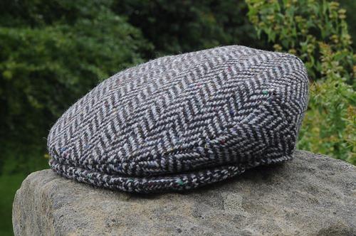 Herringbone Tweed Cap Charcoal/Silver