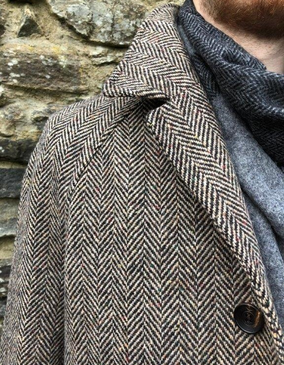 Dublin Tweed Overcoat Oatmeal Detail